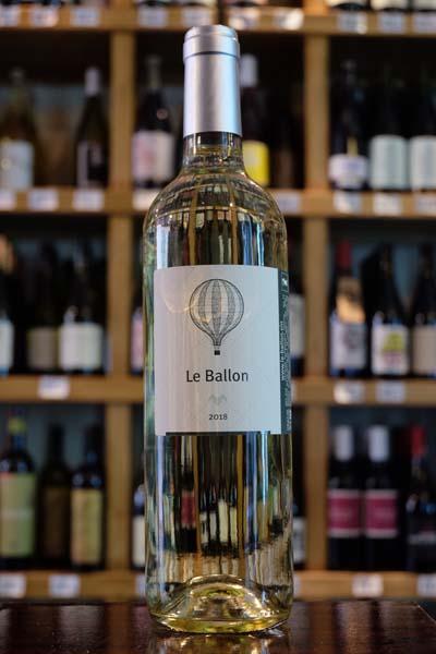 Le Ballon White