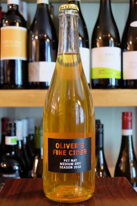 Olivers-Pet-Nat-Perry